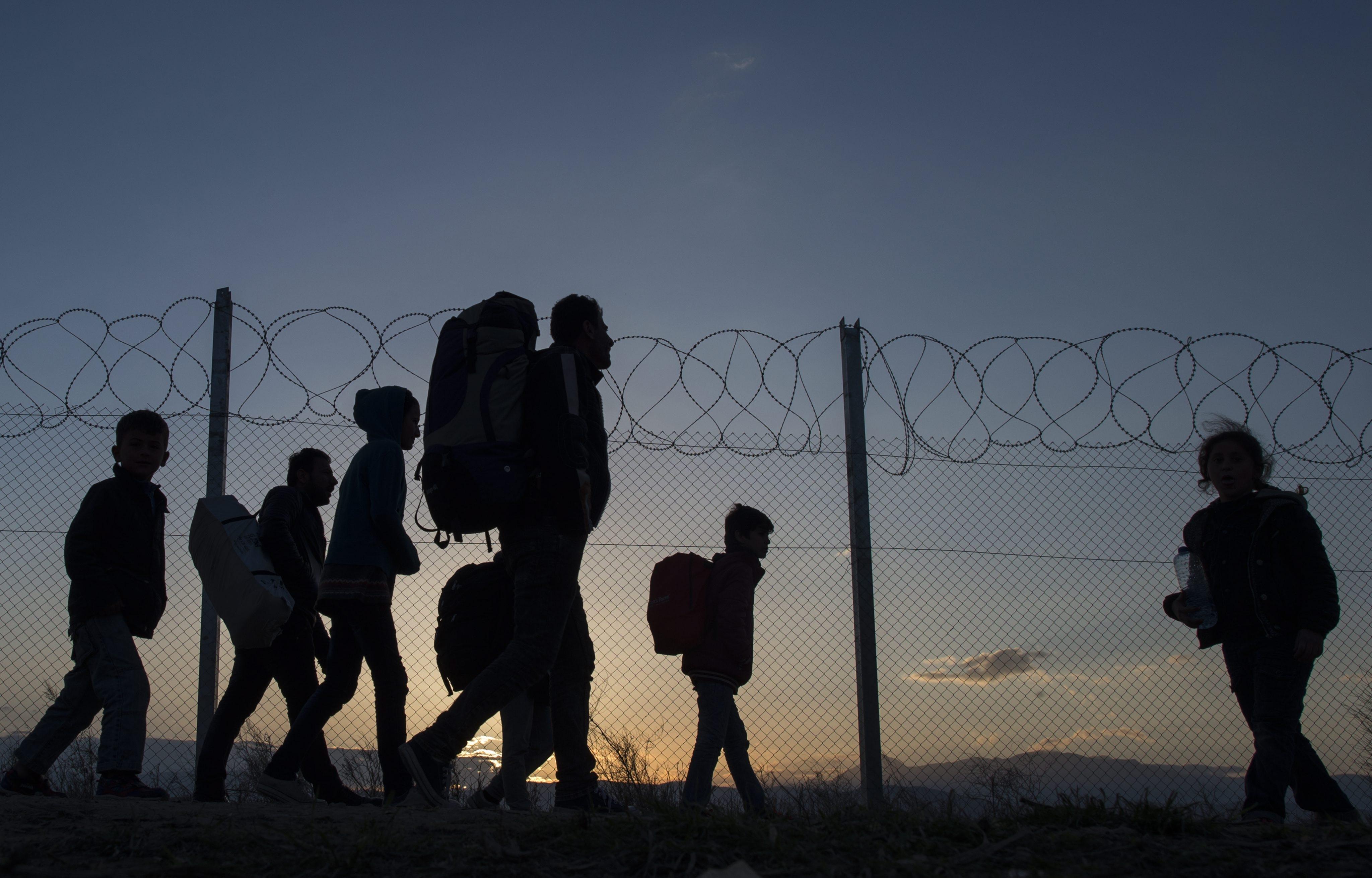 Refugiados grecia - Foto: Georgi Licovski/ EPA